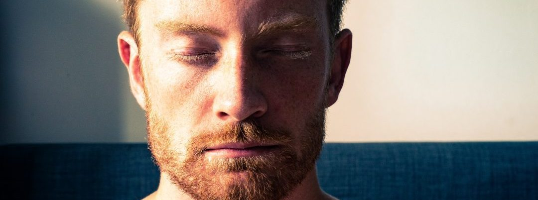 I overcame my struggle with anxiety and alcohol thanks to meditation, exercise, and positive self-talk: these invaluable tools can help you too