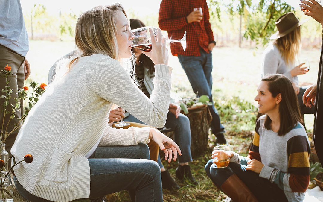 Does alcohol consumption contribute to aggression? Why are some people more violent when they drink?