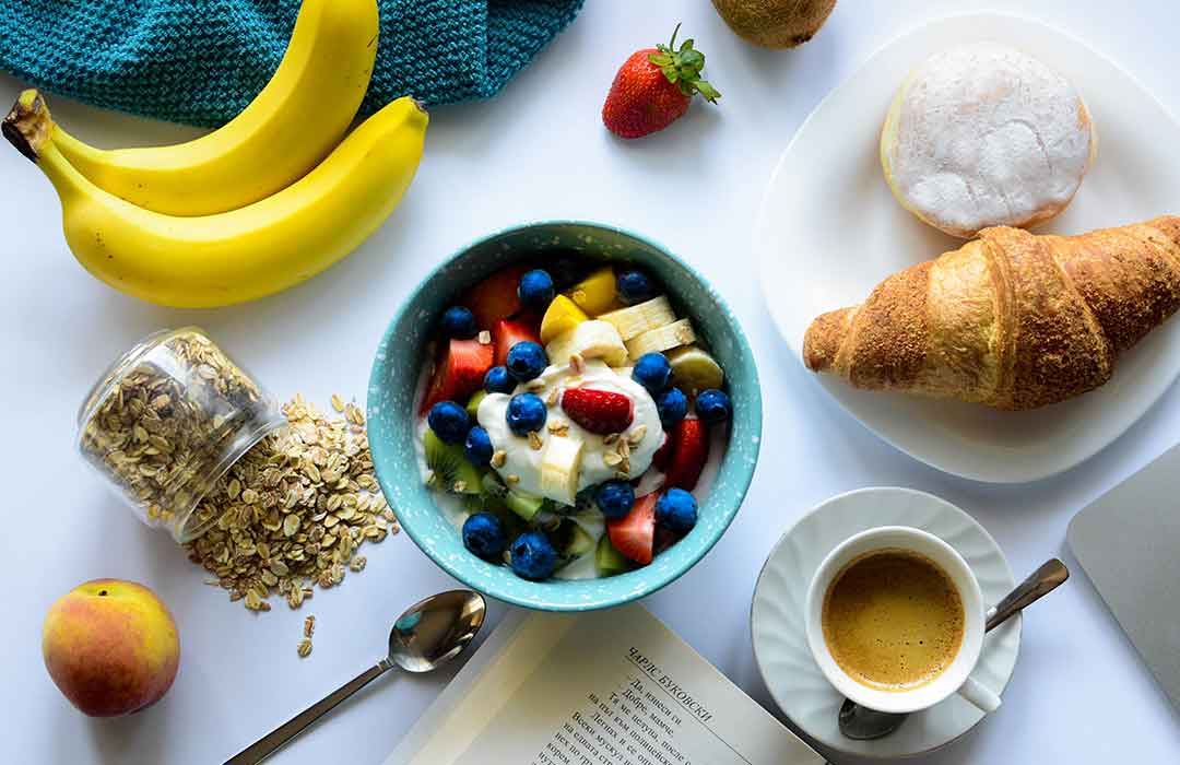 Eating breakfast with parents can lead to improved body image in kids, teens (Video)