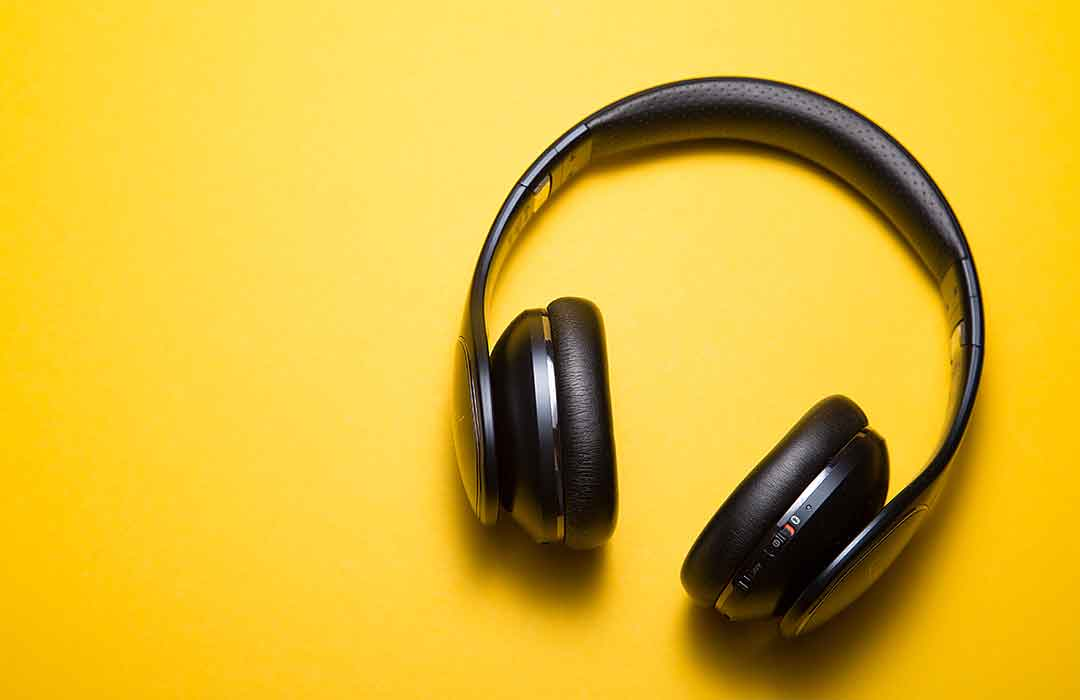 Music doesn't enhance our creativity—it impairs it (Video)