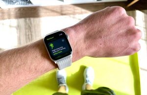 silver apple watch with what sport band on mans arm